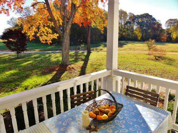 front-porch-gourds-in-autumn
