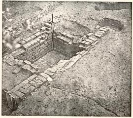 Prentis House in Colonial Williamsburg, excavated sub-floor pit c. 1720-1740, accessed at http://bit.ly/12WrE1n